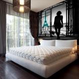 ozdoby ścian w sypialni