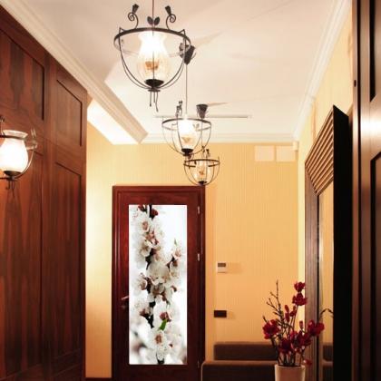 naklejka na drzwi kwiaty