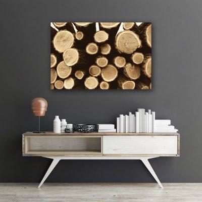 kłody drewna na obrazie
