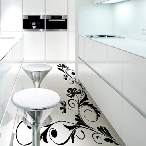 kwiatowe wzory na podłogę w kuchni