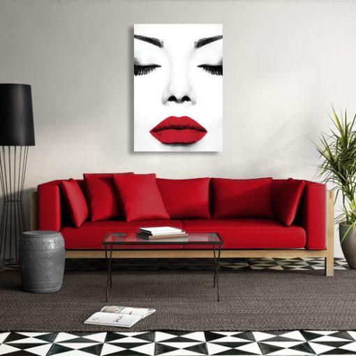 plakat z kobietą, która ma czerwone usta