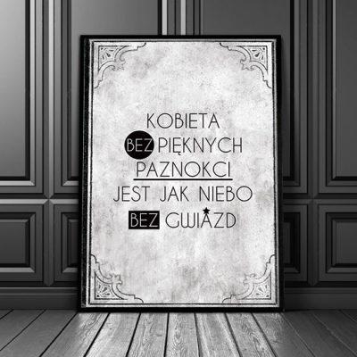 plakat z szarym tłem i czarnymi napisami