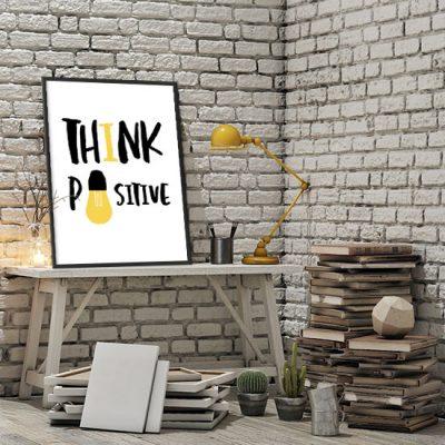 biurowy plakat z napisem think....