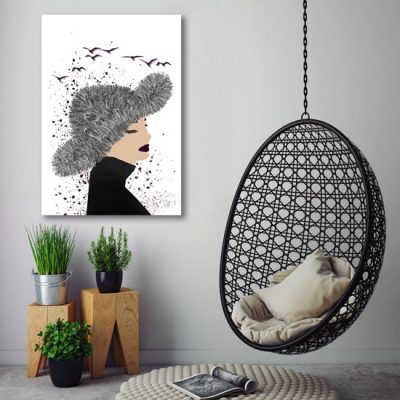 salonowy obraz z zamyśloną kobietą