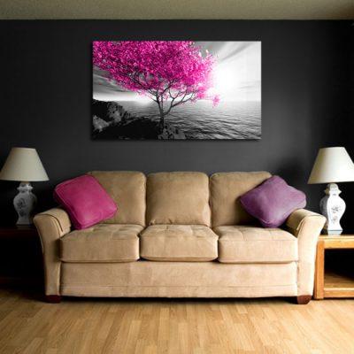 salonowa dekoracja z różowymi liśćmi