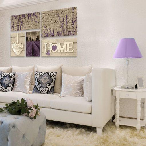kaskadowy obraz z lawendą w salonie