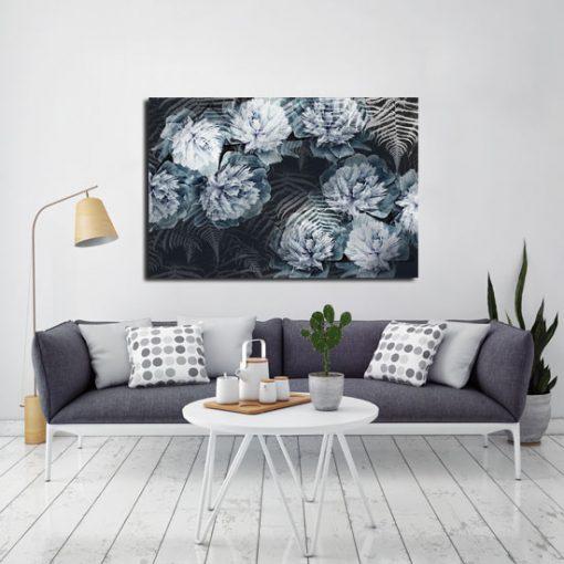 czarny obraz z kwiatami