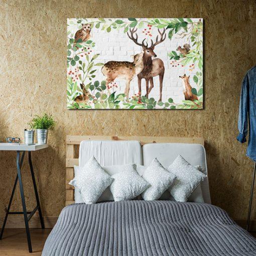 sypialnia z obrazem dzikich zwierząt