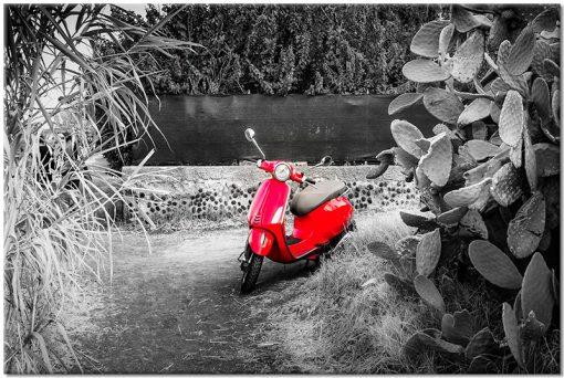czerwony skuter na obrazie