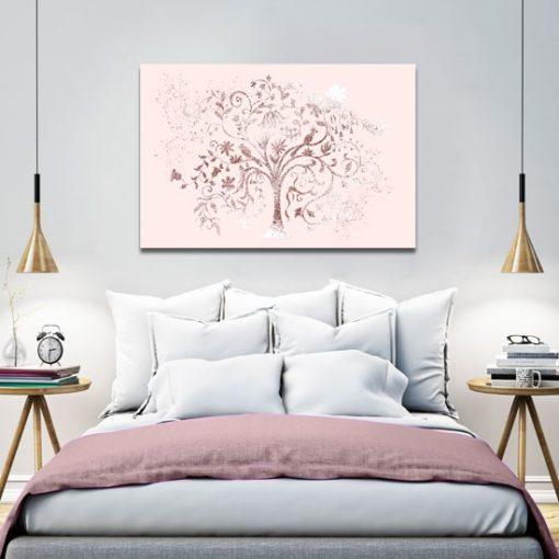 sypialnia z brokatowym drzewem
