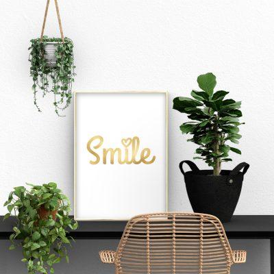 angielskie smile na złotym plakacie