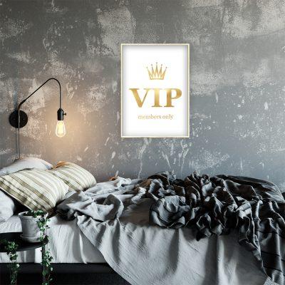 plakat z napisem VIP