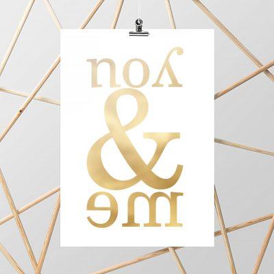 ścienny plakat z motywem złotego napisu