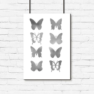 biały plakat i motyle srebrne