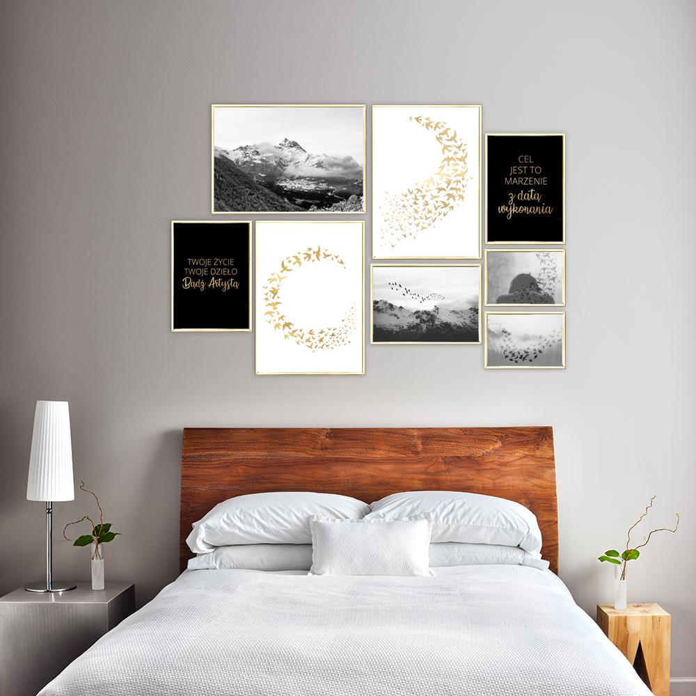 Zestaw Plakatów Z Krajobrazami Gór Złotymi Napisami I Ptakami