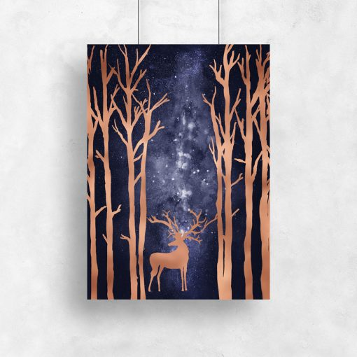 plakat drzewa i jeleń noc