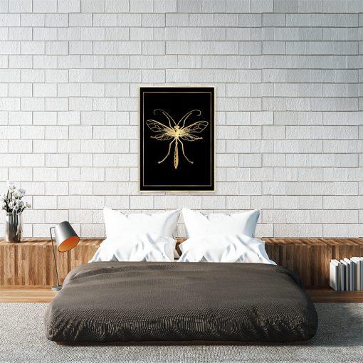 czarny plakat z komarem