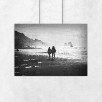 plakat czarno-biały z motywem pary