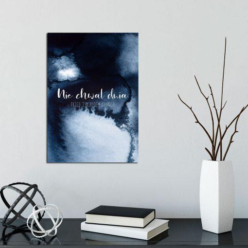 Granatowy plakat do salonu