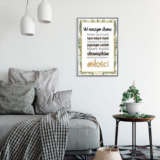 motyw plakatu z napisem w naszym domu