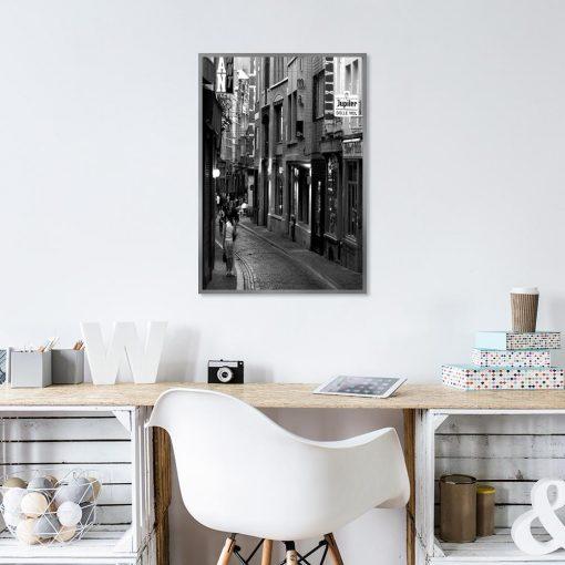 Plakat wąska uliczka