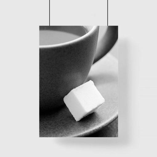 Plakat z kostką cukru na spodku
