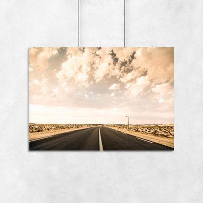 Plakat w sepii z motywem ulicy na pustyni