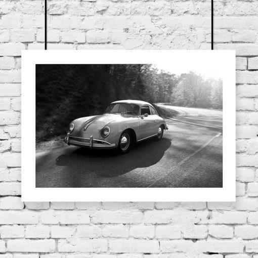 Plakat czarno-biały ze starym autem