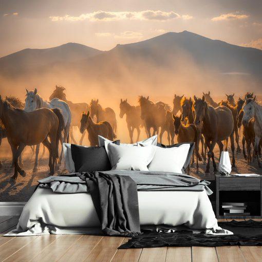 Tapeta w odcieniach brązu z końmi