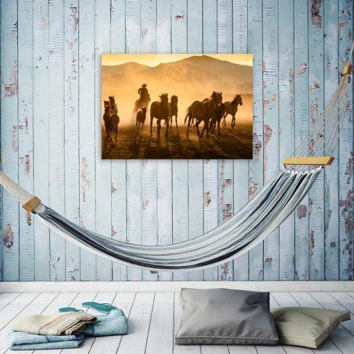 Obraz motyw gór i koni