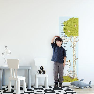 Miarka wzrostu drzewo i miś