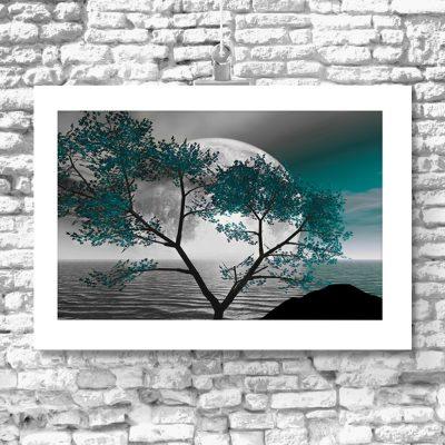 motyw drzewa na tle księżyca na plakacie