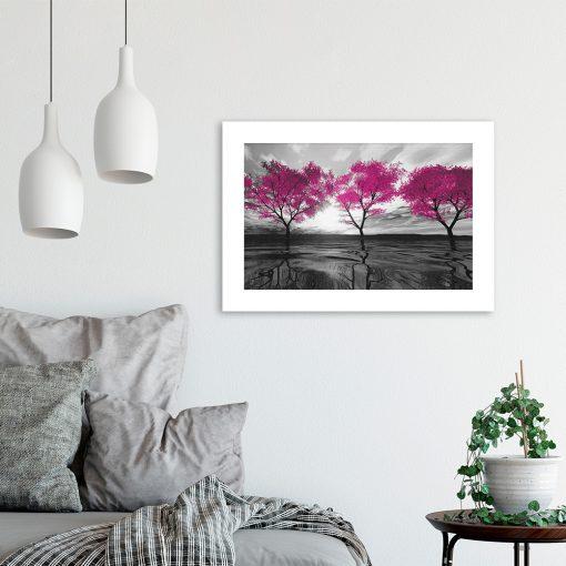różowy plakat z motywem roślin i wody