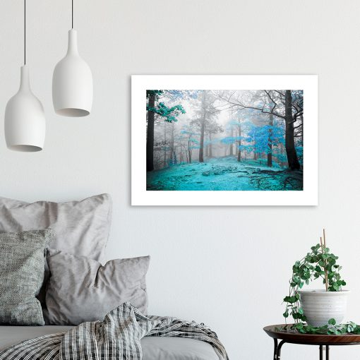 plakat z turkusowym lasem