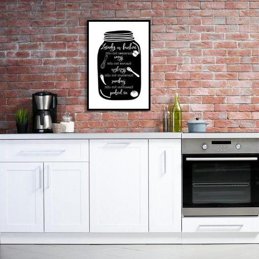 plakat z napisami na tle słoika do kuchni