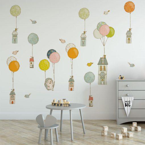 naklejka do pokoju dziecka z balonikami i domkami