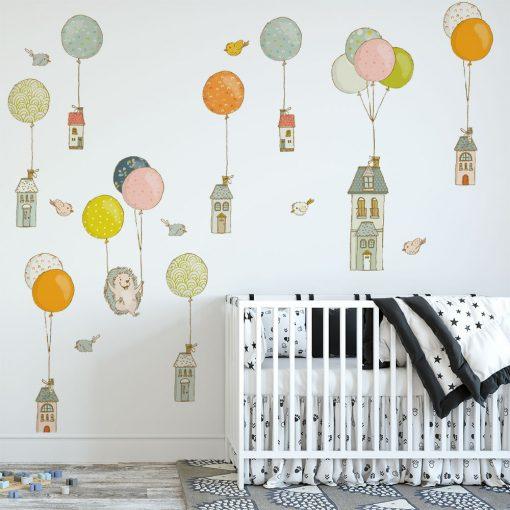 naklejka na ścianę pokoju dziecka z balonikami