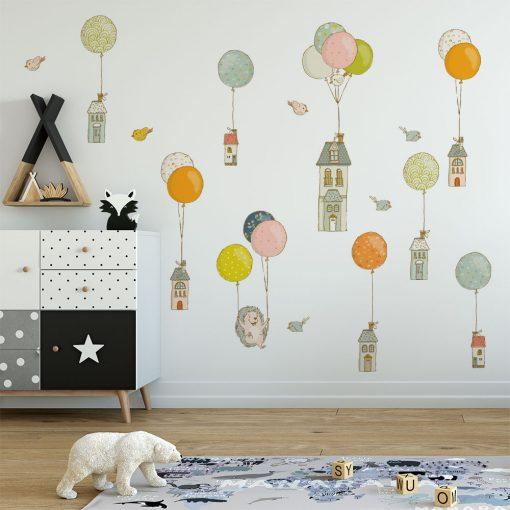 naklejka z motywem baloników i jeża do pokoju dziecka