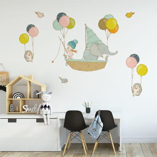naklejka na ścianę do pokoju dziecka ze zwierzętami w łódce
