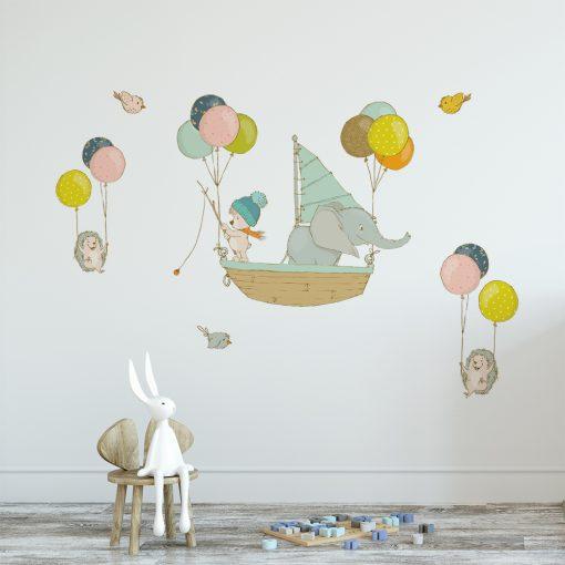 naklejka z balonikami i zwierzętami dla dziecka