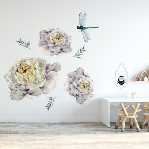 naklejka do pokoju dziecka przedstawiająca delikatne kwiaty