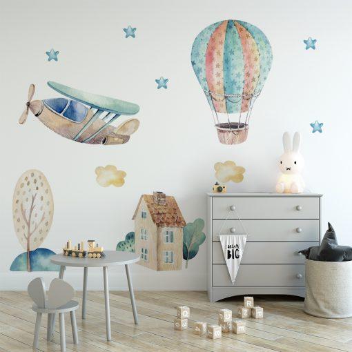 naklejka na ścianę do pokoju dziecka z balonem i samolotem