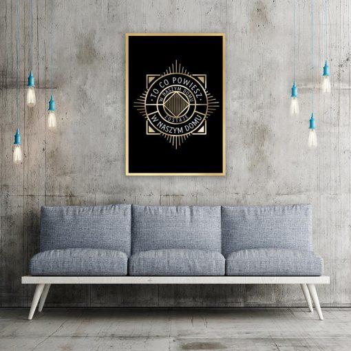 czarny plakat ornamenty i napis o rodzinie