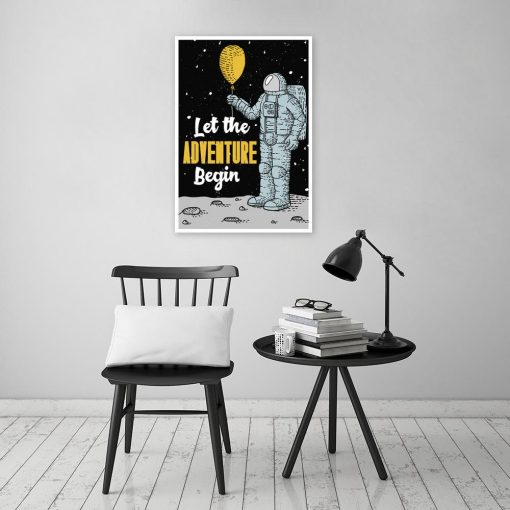 plakat z ilustracją i napisem