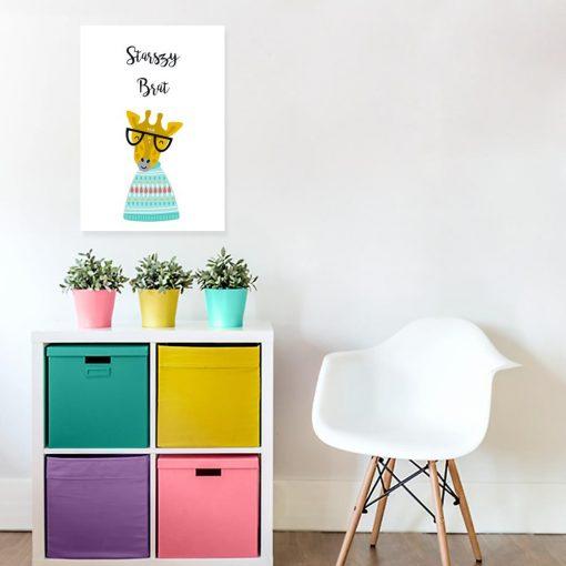 plakat do pokoju dziecka z kolorową żyrafą