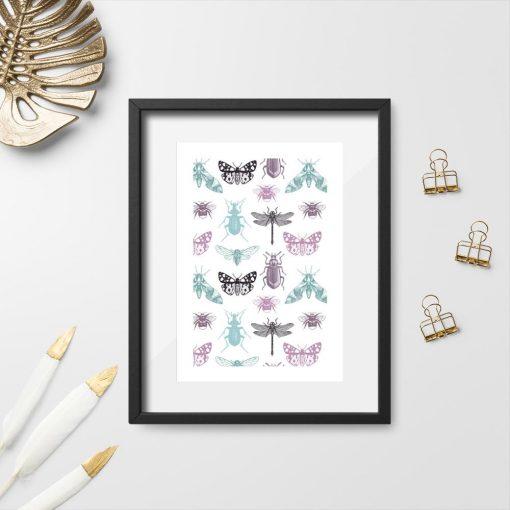 plakat z ważką i motylami