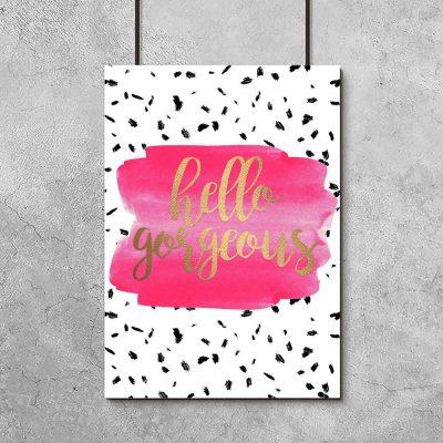 plakat z różową plamką i napisem