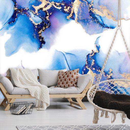 Motyw niebieskich plam na tapecie