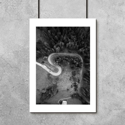 Plakat z drogą przez las do salonu
