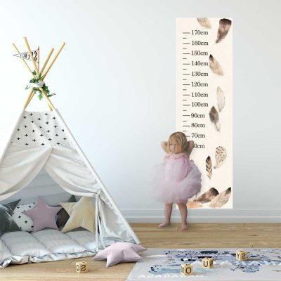 Miarka wzrostu z motywem piór dla dzieci